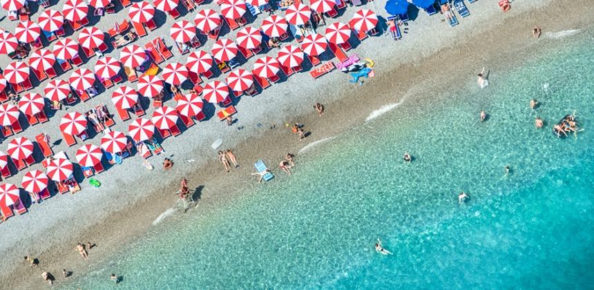 Gray-Malin-Italy-03Amalfi-Red-Umbrellas