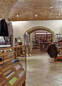 negozio_tasselli_aboutcashmere_01-jpg