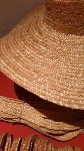 cappello cucito a mano